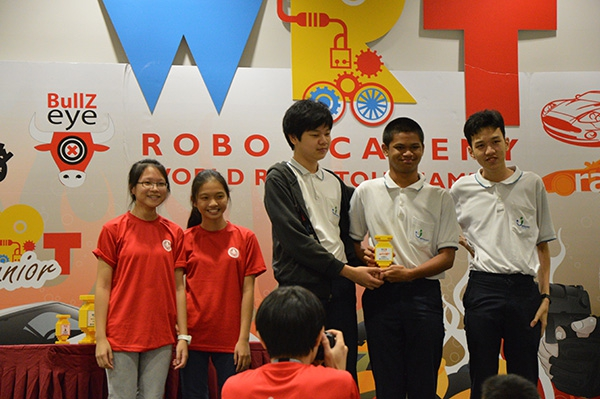 Pathlight Robotics Club Won 1st Runner up and Most Innovative Award at the World Robo Tournament 2014